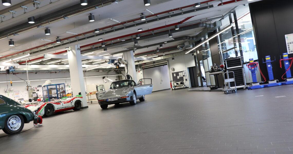 Der Traum vieler Mechaniker – Porsches Museumswerkstatt