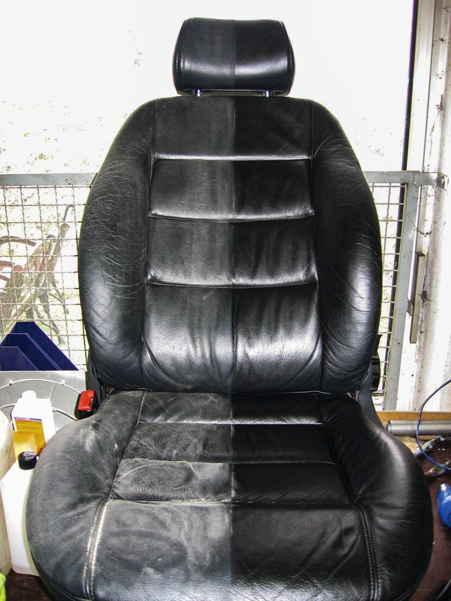 Unterschied von einem dreckigen und einem Aufbereiteten Autositz aus Leder