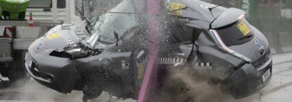 Wer darf wann an verunfallten HV-Autos arbeiten?